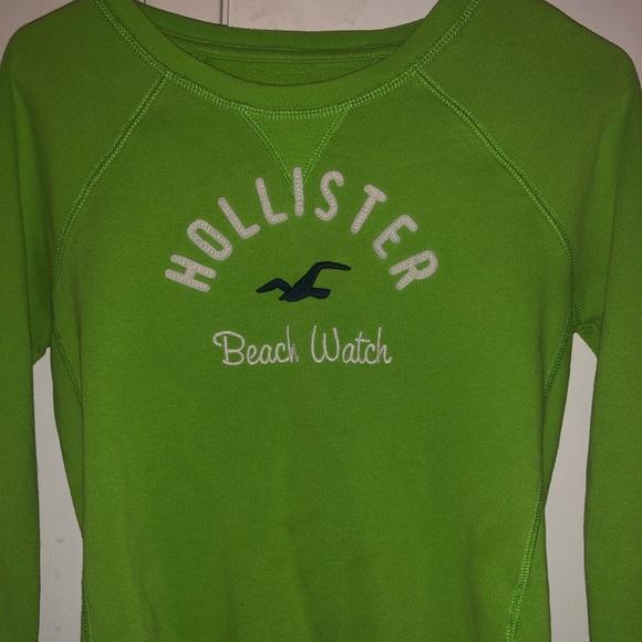 Hollister Tops - Green long sleeve hollister sweater